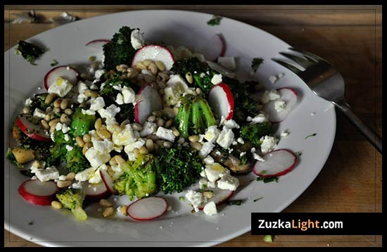 Broccoli_Salad_with_feta_and_pinenuts