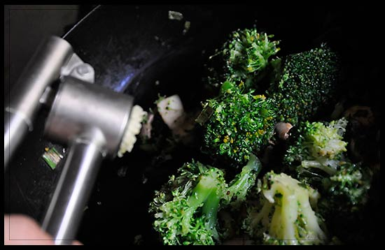 Garlic_press_broccoli